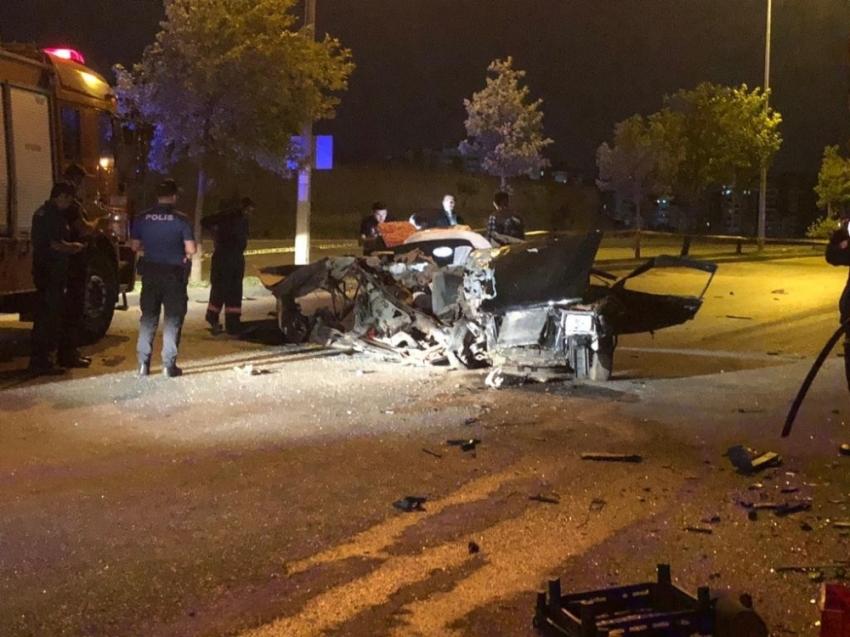 Polisten kaçan driftçiler kaza yaptı: 2 ölü, 1 yaralı