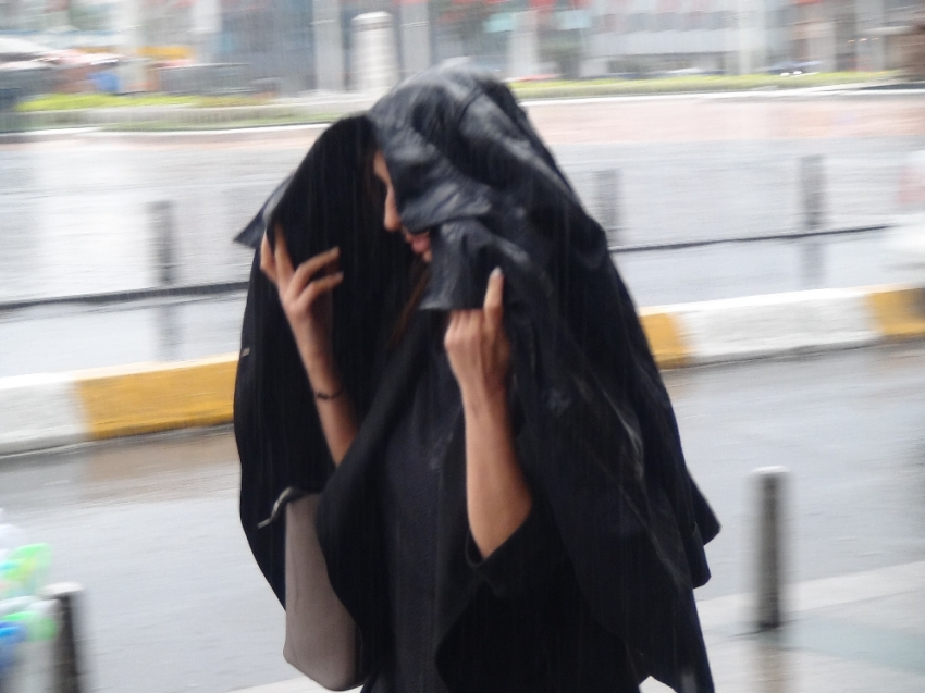 İstanbul'a sağanak yağış sürprizi