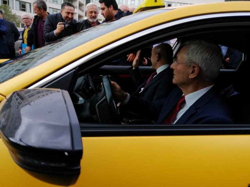 Dijital ve VIP taksiler görücüde...