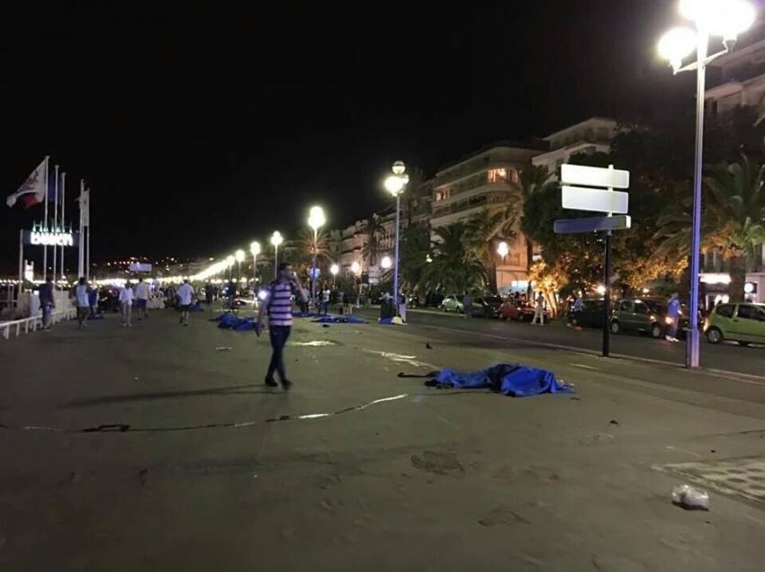 Fransa'da kamyonla terör saldırısı