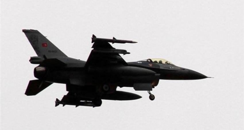 Türk jetlerine Yunanistan ve Suriye'den taciz
