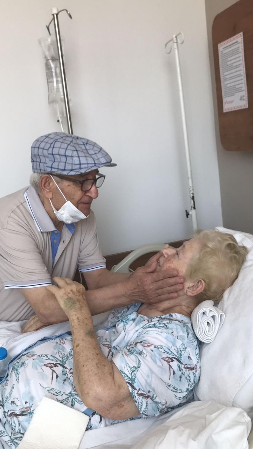 58 yılda ilk kez ayrı kalan çift