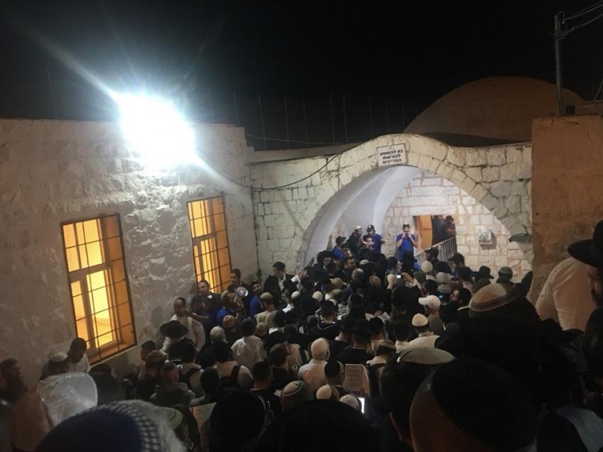 Yahudi yerleşimciler Yusuf Makamı'na baskın düzenledi