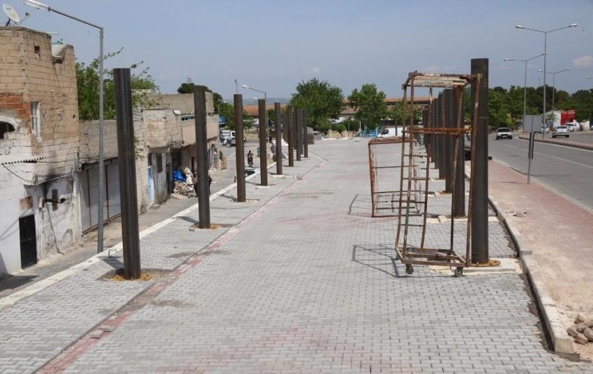 Eyyübiye'de kapalı semt pazarı çalışması