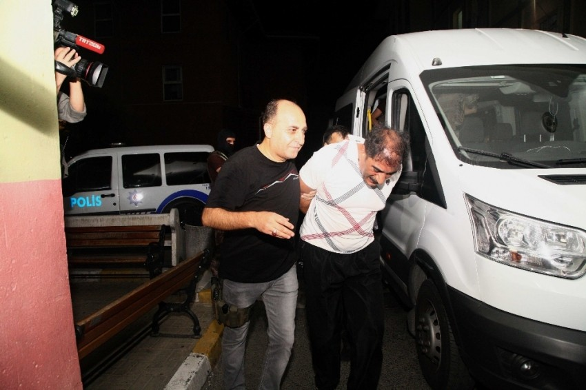 İstanbul'da PKK ve DEAŞ'a operasyon: 24 gözaltı