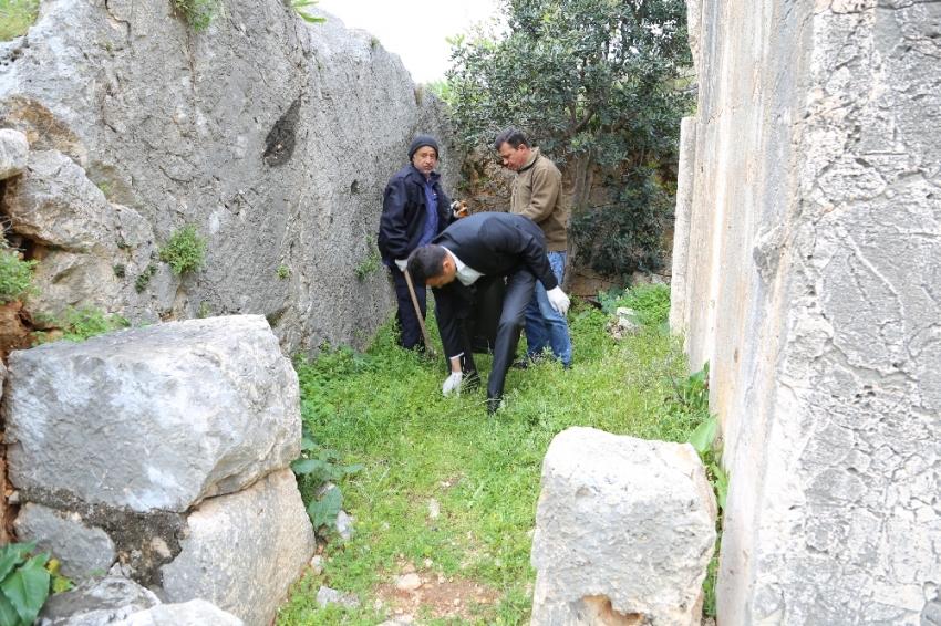 Kaş'ın tarihi mekanlarında çevre temizliği
