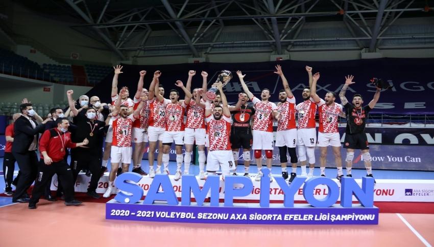 Efeler Ligi'nde şampiyon Ziraat Bankkart