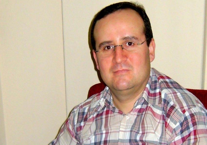 Derste kalp krizi geçiren öğretmen hayatını kaybetti