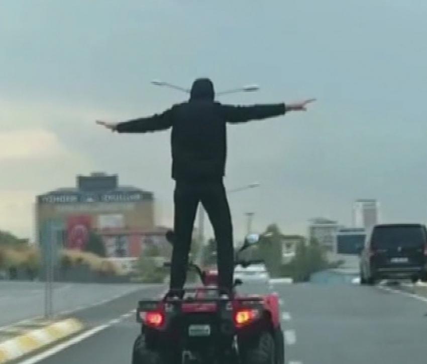 ATV sürücüsünün tehlikeli şovu kamerada