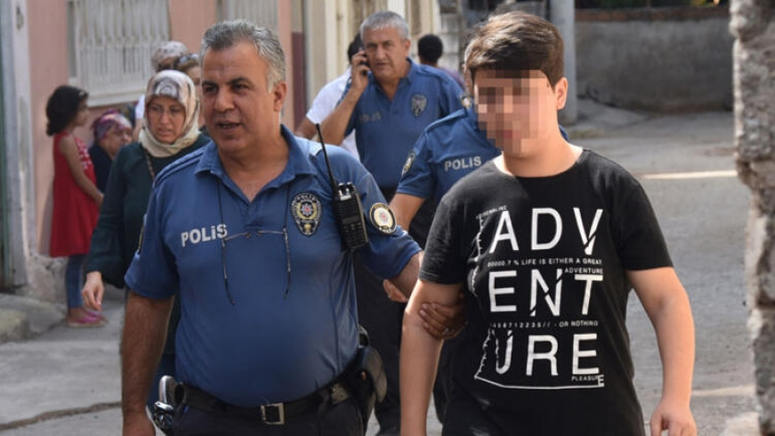 Babasını bıçaklayarak öldüren 16 yaşındaki çocuk...