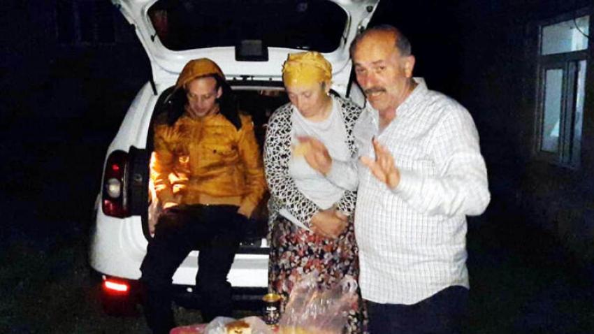 Türk aile sınırlar kapanınca Azerbaycan'da kaldı!