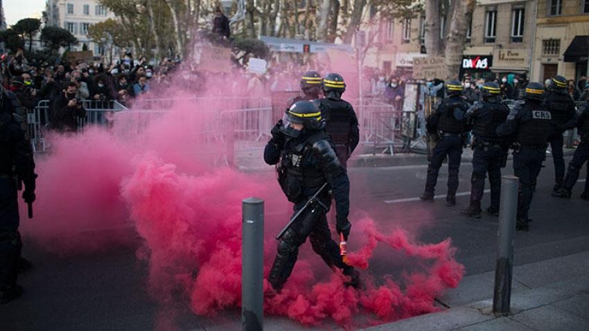 Macron karşıtlığı giderek büyüyor