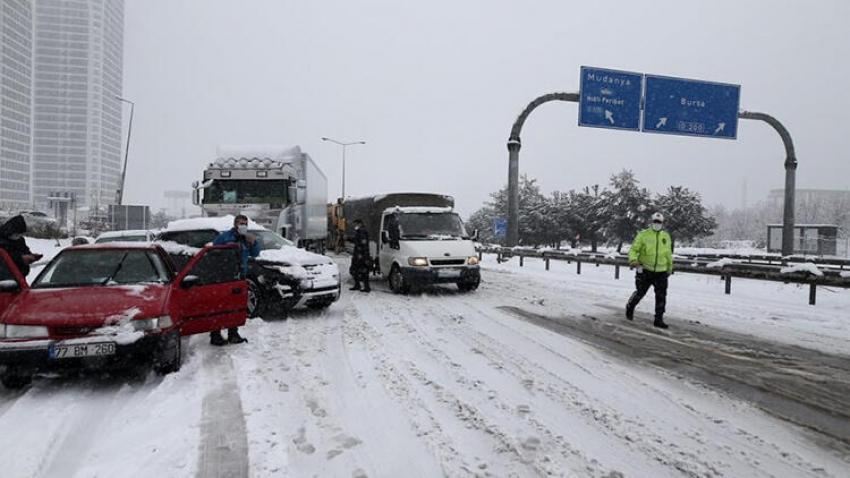 Bursa - İzmir otobanı kapandı