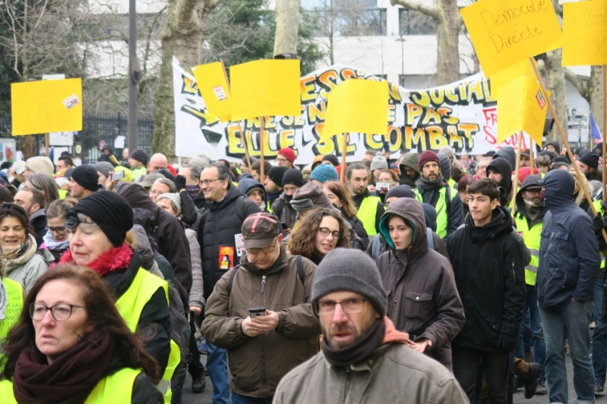Sarı Yelekliler yine sokaklarda