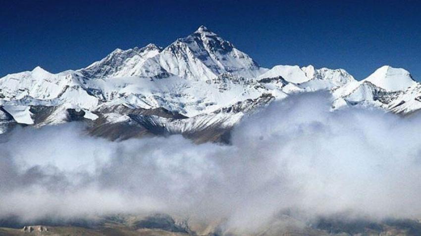 Everest Dağı'nda ilk Kovid-19 vakası görüldü