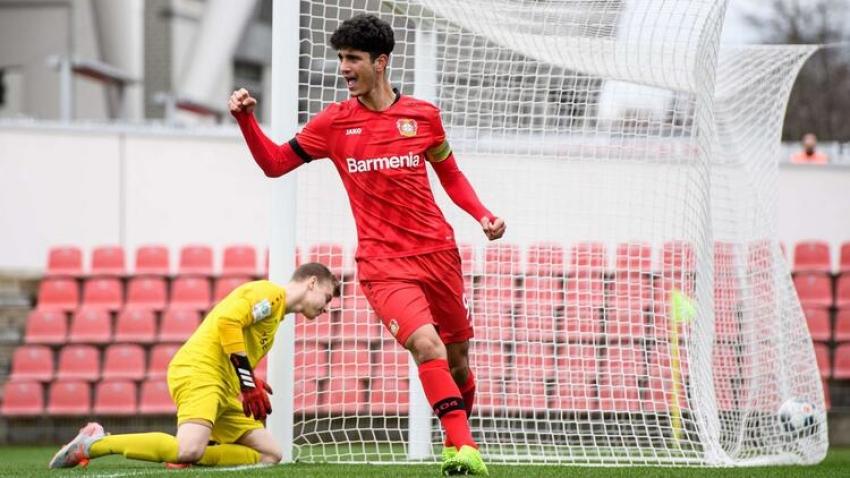 Bayer Leverkusen'de Emrehan Gedikli profesyonel oldu