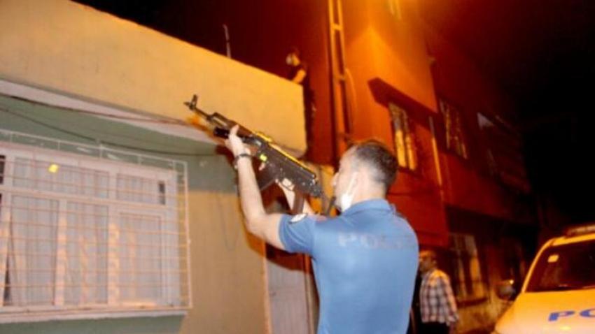 Pompalı tüfekle polisten kaçan şüpheli...