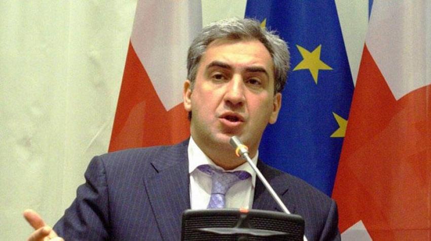 Eski başbakan Türkiye'de dolandırıldı