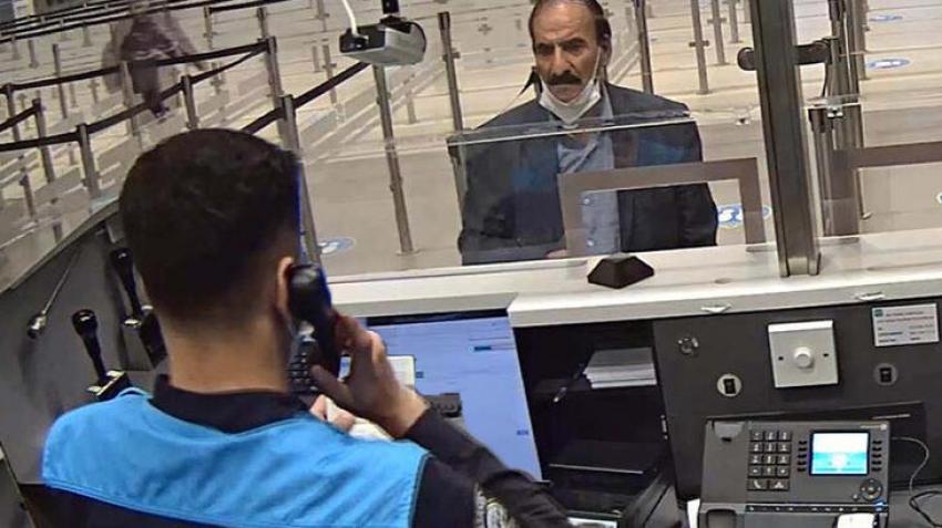Sahte pasaportla 25. girişince yakalandı