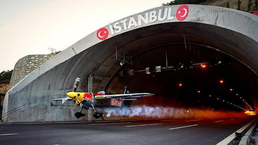 Red Bull'un 'Tünel Geçişi' İstanbul'u dünyaya tanıttı
