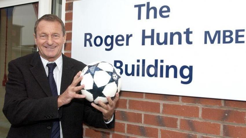 İngiliz futbol efsanesi hayatını kaybetti