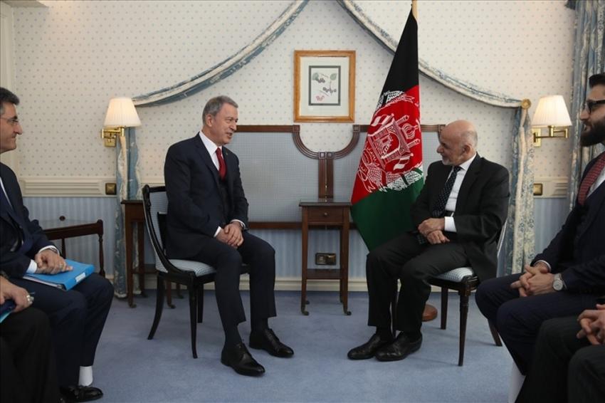 Bakan Akar Afganistan Cumhurbaşkanı ile görüştü