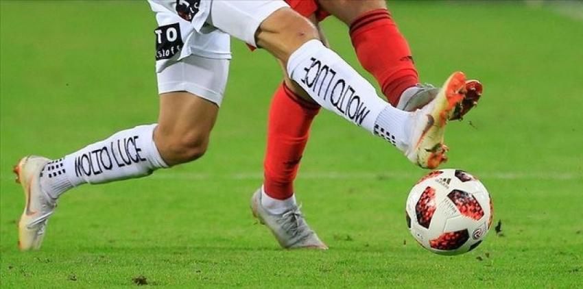 Arnavutluk'ta futbol durdu