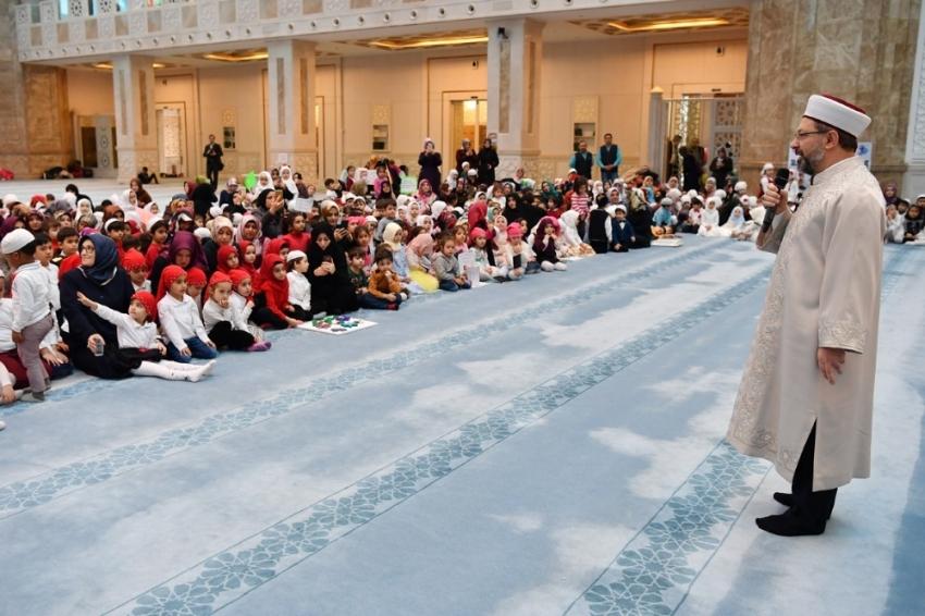 """""""Çocuklarımız Allah sevgisiyle yetişsin istiyoruz"""""""
