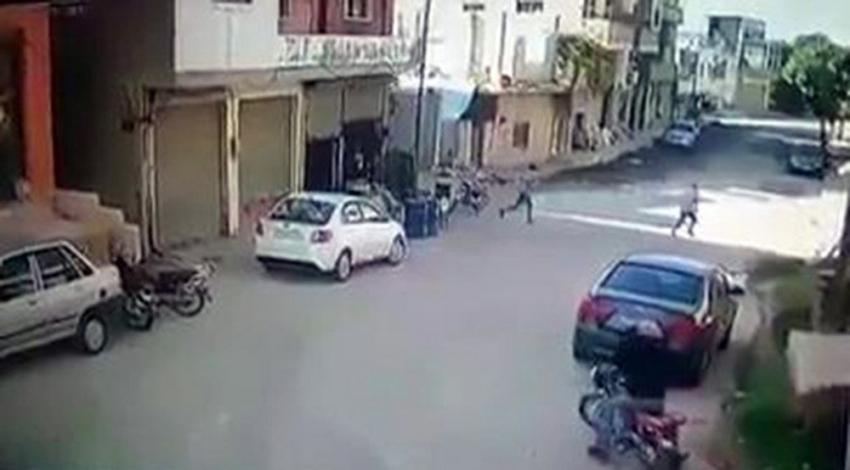 İdlib'de sivillerin üzerine bomba yağıyor