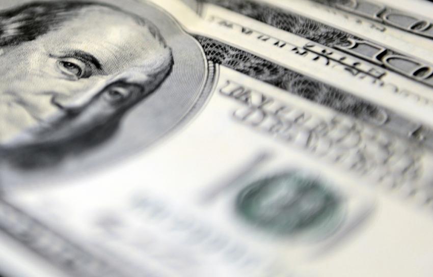 Dolar cinsi zorunlu hesaplara ödenen faiz yükseltildi