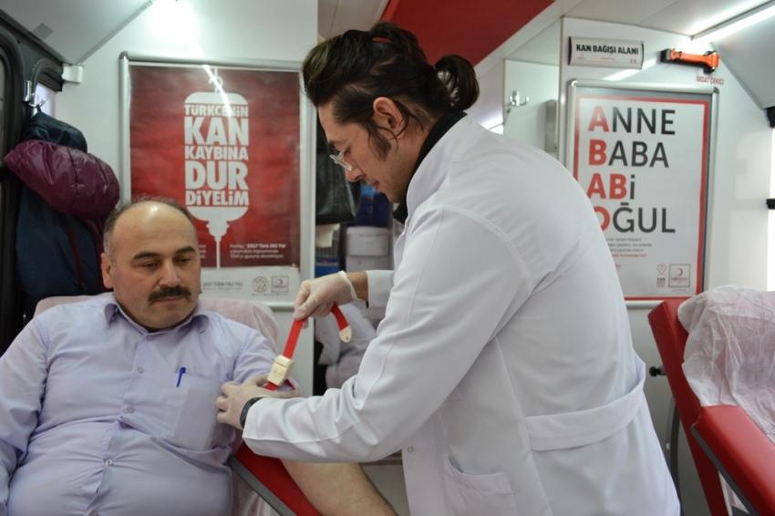 Kan bağışı rekoru kırdı