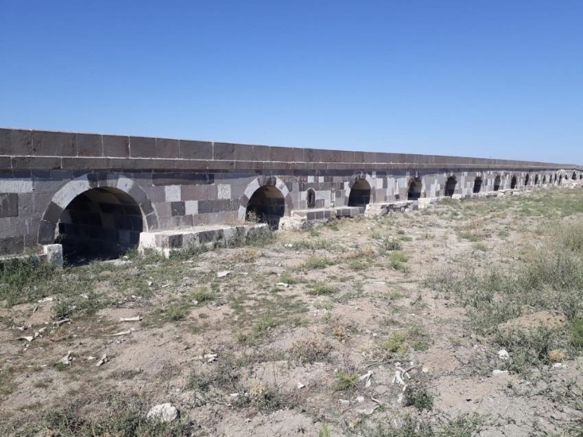 868 Yıllık Kırkgöz köprüsü hala ihtişamını koruyor