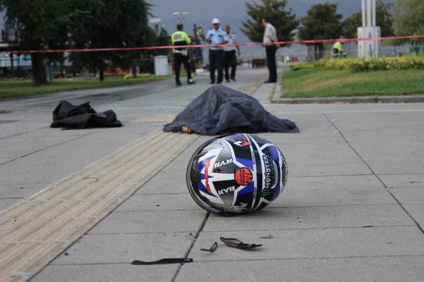Kask takmayan genç kız motosiklet kazasında öldü