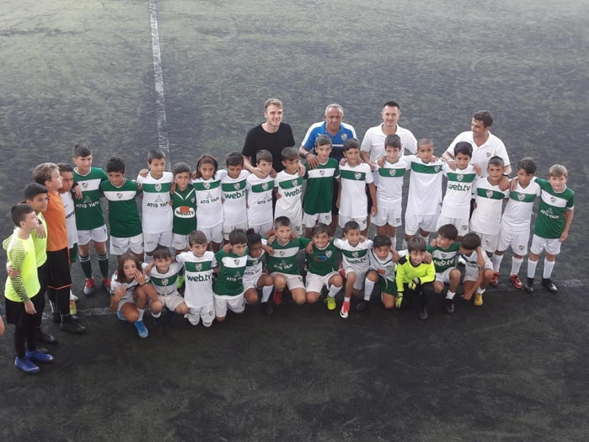 Ertuğrul'dan futbol okullarına ziyaret