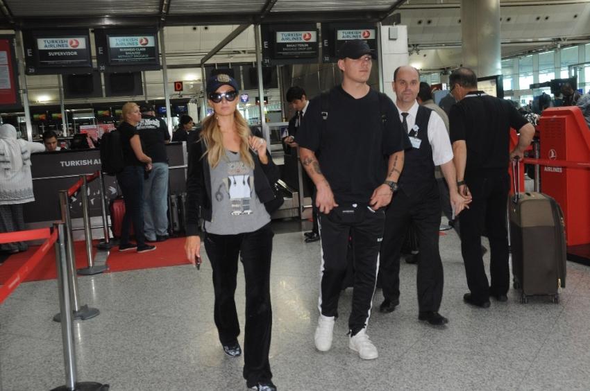 Paris Hilton Madrid'e gitti