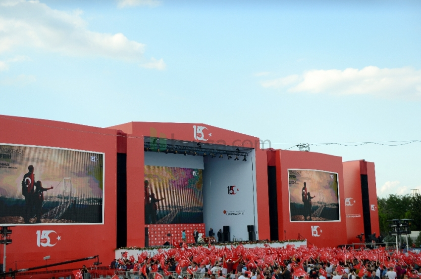 15 Temmuz şehitleri anma programı için Atatürk Havalimanı'nda hazırlıklar tamamlandı