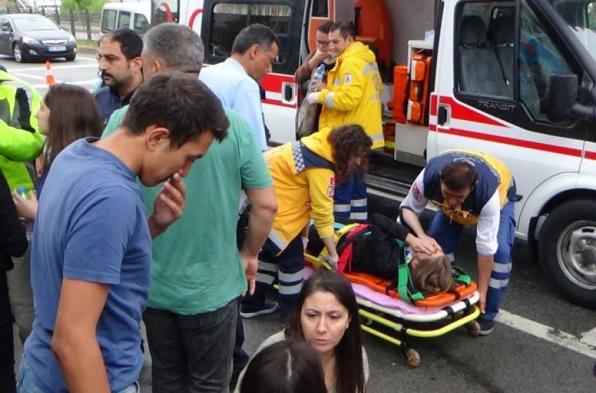 Öğrenci servisi kaza yaptı! 11 yaralı