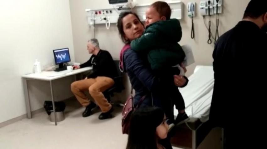 Hasta çocuklar ağlarken doktor iskambil oynadı