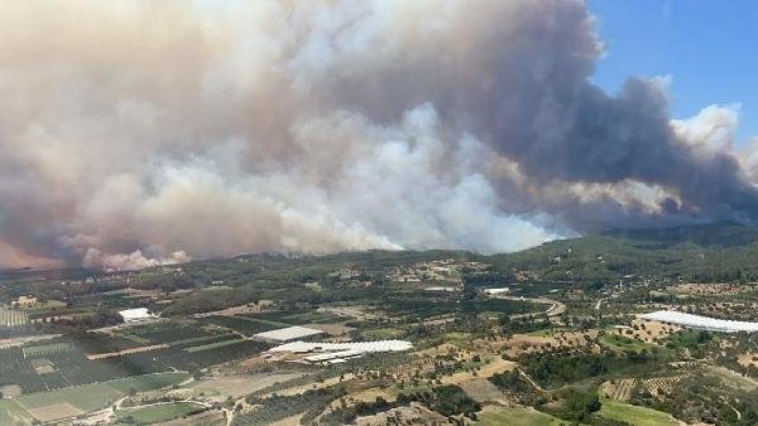 Manavgat'taki yangından yürek burkan kareler