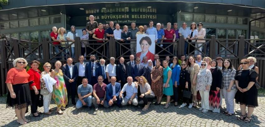 Bursa İYİ Parti'den parlamenter sistem bilgilendirmesi