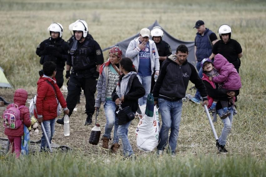 """Danimarka'da """"Sığınmacılar gece sokağa çıkmasın"""" talebi"""