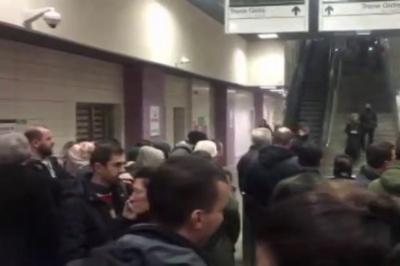 Marmaray'da teknik arıza nedeniyle seferler yapılamıyor