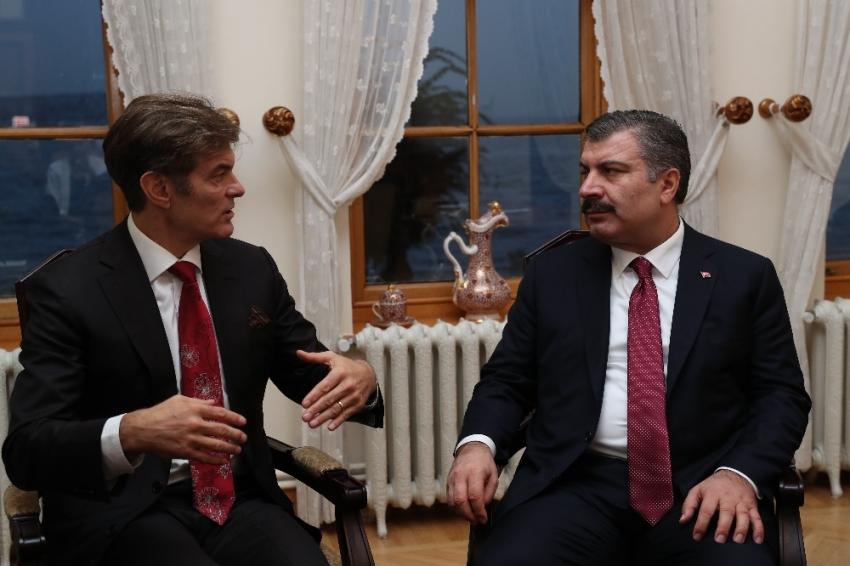 Sağlık Bakanı Koca Mehmet Öz'le bir araya geldi