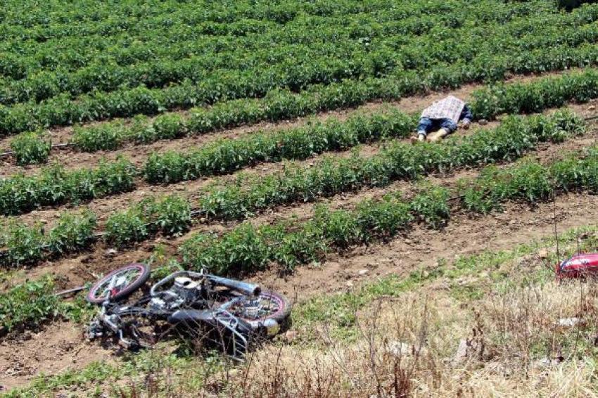 Beton mikserine çarpan motosikletli öldü