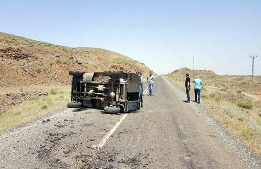 Muş'ta askeri araç devrildi: 4 yaralı