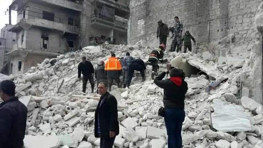 Halep'te bina çöktü: 7 ölü