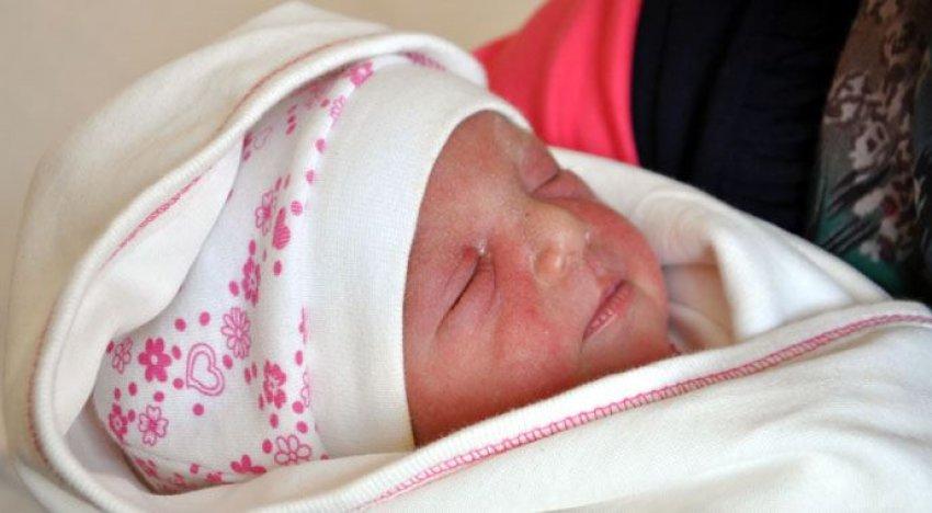 O bebek sağlıklı bir şekilde doğdu