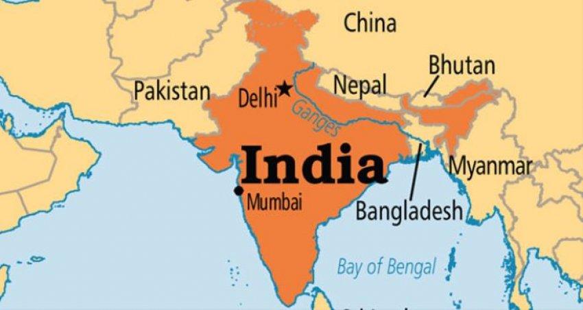 Hindistan'da yolcu treninde patlama!