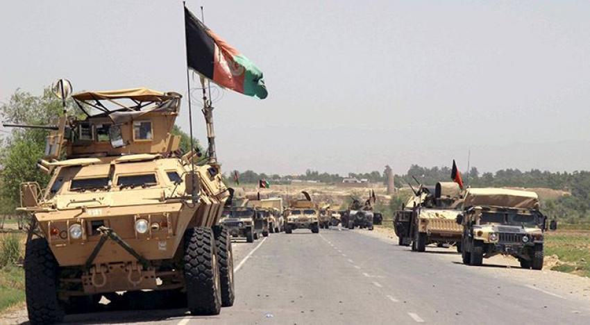 Taliban, Afganistan'da iki ilçeyi ele geçirdi