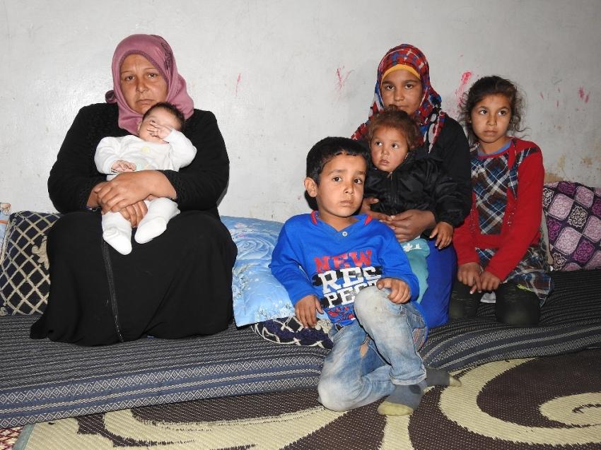 Terör örgütünden kaçan Münbiçli anne zulmü anlattı